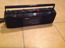 VTG Sanyo Boombox M7024A  AM/FM Radio Cassette Player/Recorder 2Way 4 Speakers