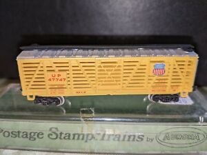 POSTAGE STAMP (AURORA) TRAINS N SCALE UNION PACIFIC STOCK CAR with PLASTIC CASE