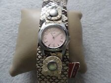 New Relic Quartz Ladies Watch with a Leather Band