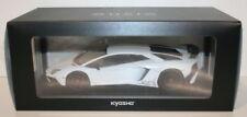 Modellini statici di auto, furgoni e camion bianco Kyosho Scala 1:18
