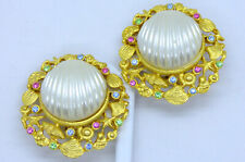 🎇Vintage Signed Craft Gold Tone Rhinestone Faux Shell Clip Earrings