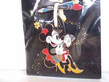 DISNEY 2005 HAPPIEST PIN CELEBRATION EVENT MINNIE ON SWING LE 500 ARTIST CHOICE