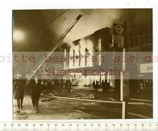 Original Press Photo: 1959 Biggest Fire since the Lightning in Ilford London (Blaze)
