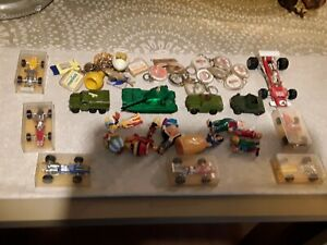 lot  jouets anciens,années 60-70 politoys corgi caltex champion matchbox huilor