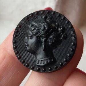 24mm Antique gutta percha button~Cameo~Woman's profile~PABIS FIN~A8