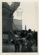 PHOTO ANCIENNE - VINTAGE SNAPSHOT - SPORT BASKET JEU ACTION - GAME BASKET BALL