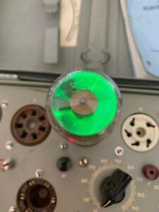 Pair RCA 6E5 green eye tubes - test strong - Lot 162