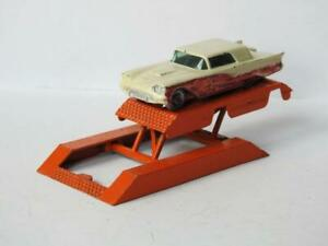 LESNEY MATCHBOX VINTAGE DIECAST FORD THUNDERBIRD 75a & CRESCENT CAR RAMP 1960s
