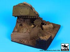 Blackdog Models 1/35 DESTROYED SHERMAN TANK Resin Display Base