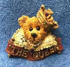 """Boyds Bears and Friends Bearwear, """"The Queen"""" Style 01998-72 Pin"""
