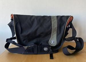 Crumpler Crisp Suit Large Laptop Satchel Messenger Bag