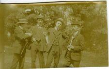 PHOTO scène de genre 4 joyeux lurons prenant la pose gay interest circa 1907