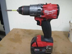 "Milwaukee 2803-20 Fuel Brushless 1/2"" Drill/Driver With M18 Red Li-Ion XC 4.0AH"