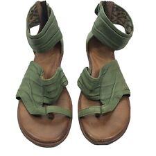 Naya Samara green Leather Gladiator Ankle Strap Sandals women's Size 9.5