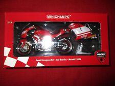 MINICHAMPS ® 122 040012 1:12 Ducati Desmosedici MotoGP 2004 TROY BAYLISS Nouveau neuf dans sa boîte