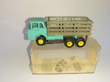 Aurora HO Tjet Original #1363 Mack Stake Truck 1963-72 with chassis, Box