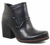 Korks Women's Dyoma Black Leather boots