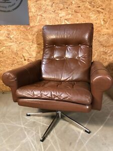 VINTAGE DANISH MID CENTURY LEATHER LOUNGE CHAIR in COGNAC LEATHER 1975s