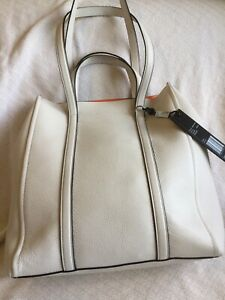 Gorgeous Marc Jacobs Extra Large Tag Leather Porcelain Tote