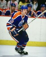Esa Tikkanen Edmonton Oilers UNSIGNED 8x10 Photo