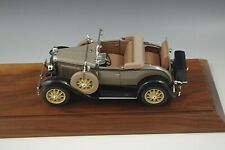 Danbury Mint 1931 Ford Model A Roadster Convertible 1:24 Scale Die Cast