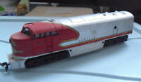 Vintage 1970s HO Scale Tempo AHM Santa Fe 5028 Locomotive