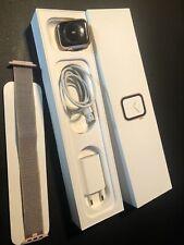 Apple Watch Series 4 44mm Aluminium in Gold m. Sport Loop GPS und LTE Cellular