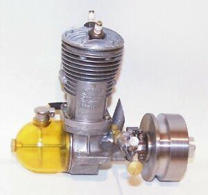 """Super Cyclone """"G-R"""" .60 """"Twin Plug"""" Gas Powered Tether Car Engine W/Flywheel"""