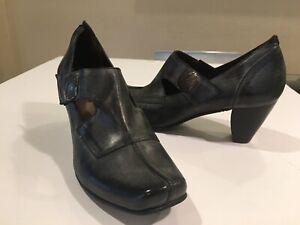 Fidji Gray Maryjane Heels shoes Sz 39/8