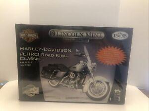 TESTORS 1/6 Scale Model Motorcycle Kit Harley Davidson Road King #7222 SEALED