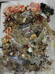 31LB Bulk Lot Scrap Loose Beads Sequins Jewelry For Bedazzle Arts & Crafts