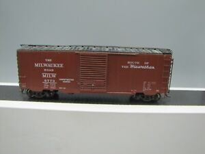 Kadee HO Scale 40' PS-1 Milwaukee Road Boxcar #4912