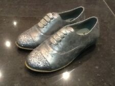 Juicy Couture New & Genuine Girls Silver Leather Shoes UK 12 EU 31 With Glitter