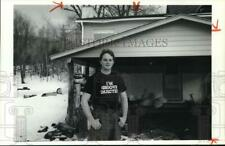 1990 Press Photo Richard Carver at Home Garage on Ellis Hollow Road in Dryden