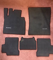 "GENUINE MERCEDES ""G"" WAGON BLACK FLOOR MATS CARPET 5- PC G500 G55 G63 AMG NEW"