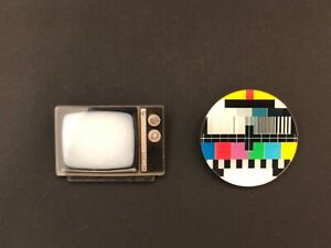 Retro vintage 70s  TV classic signal quirky funky kitsch acrylic brooch