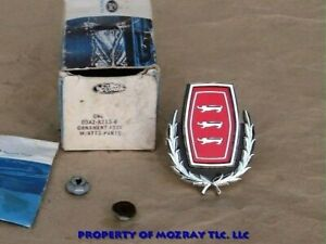 Ford Grille Ornament Galaxie 500_Country Sedan 1974-1973 NOS