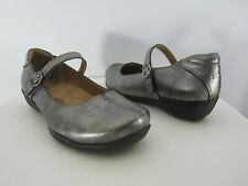 TAOS Womens 7.5 Wide Pewter Silver Gray Leather Mary Janes EU 38 W Comfort Shoes