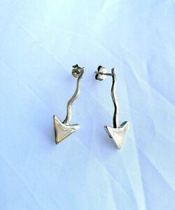 Sterling silver Mother of Pearl arrow drop dangle earrings