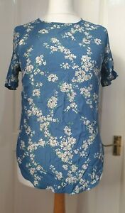 GP & J BAKER FOR H&M Size UK 12 (US 8) Blue Floral Top With Scallop Edge