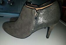 Womens gray heels size 7.5