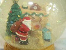 Santa Clause Snow Globe Christmas Plays music Santa Clause is coming to town