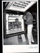 CHEVAGNY-sur-GUYE (71) Marie MILER , POTIERE au travail POTERIE 1991 FAGE 91.386