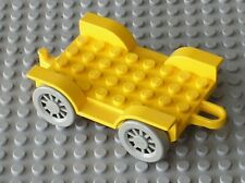 Chassis LEGO FABULAND Yellow Car Chassis 4796c01 / Set 3641 & 3675 General Store