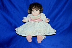 Vinyl Doll  By Pauline 1984 Brunette Hair - Blue Eyes Height: 26 cm