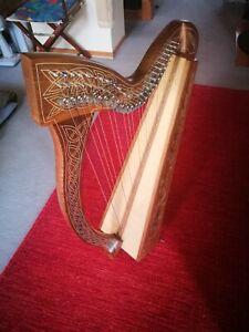 Keltische Harfe 27 Saiten Halbtonklappen, 3 x Tonabnehnehmer, KORG Stimmgerät