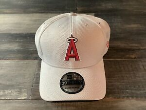 Men's Los Angeles Angels New Era Grey 39Thirty Double Timer Flex Fit Hat NWT S/M