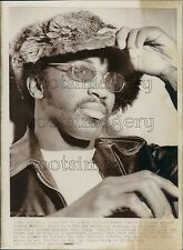1973 African American Football Player Johnny Rodgers in Fur Hat Press Photo