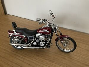 Harley Davidson Dyna Wide Glide 1/10 Scale