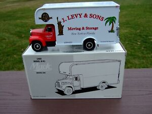 1ST GEAR 1/34TH Scale 1960 Model B-61 Mack Moving Van-BOX-EXCELLENT-